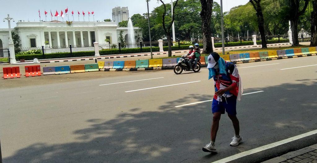 Sampaikan Aspirasi Dengan Cara Tidak Biasa, Pria Ini Berlari Dari Maluku Utara ke Jakarta