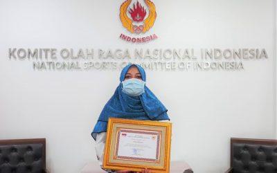 KONI Pusat Serahkan Penghargaan kepada Citra Febrianti