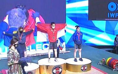 Windy Cantika Aisah Raih Emas pada Kejuaraan Dunia Angkat Besi
